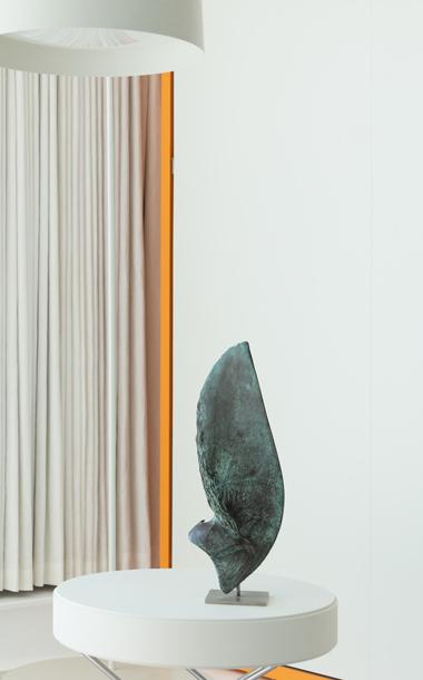 Flight sculpture made of bronze by Ben Barrell