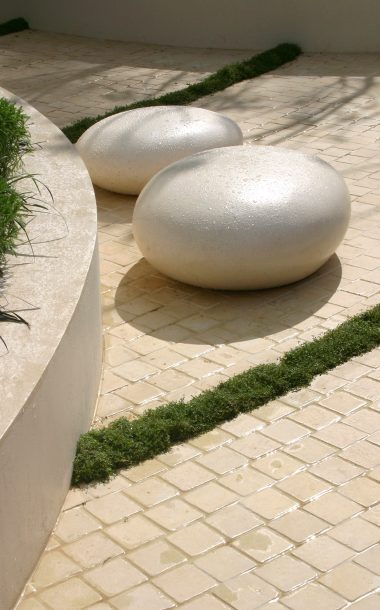 Pico Pebble Seats in RHS
