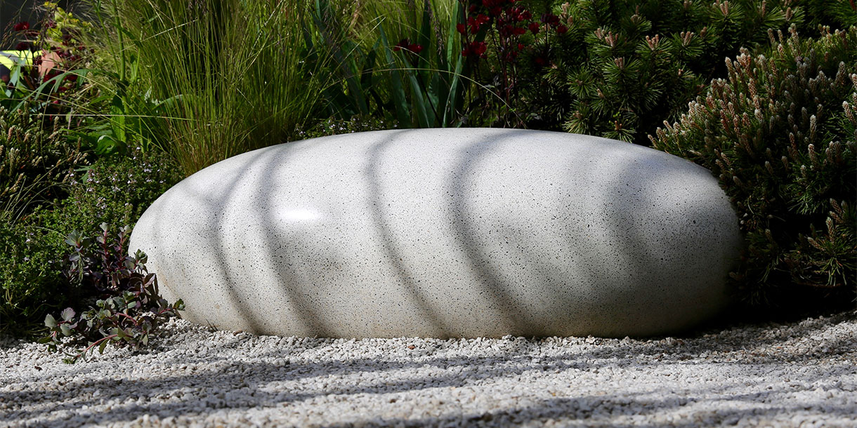 Polished concrete Pebble Seat by Ben barrell