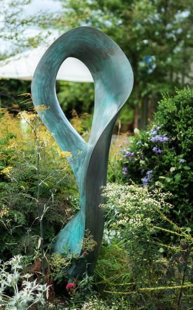 swirl sculpture by ben barrell